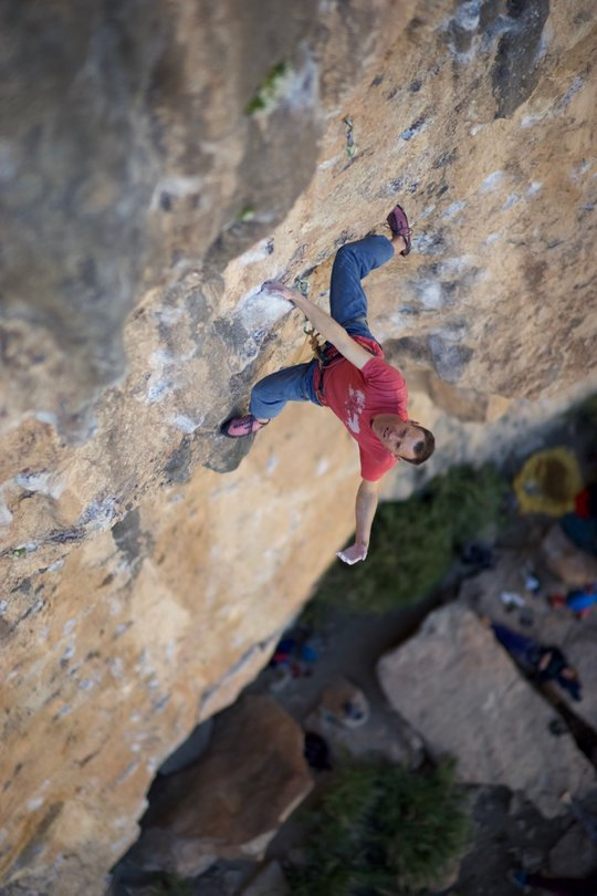 Article author Jack Geldard on the classic 7b+ Los Franceses, 75 kb