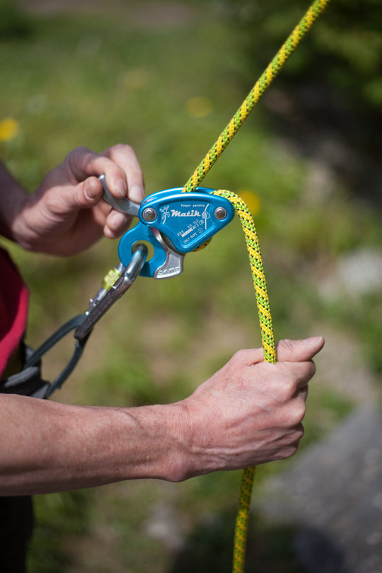 Assisted Breaking Belay Device Review - CAMP Matik 4, 80 kb