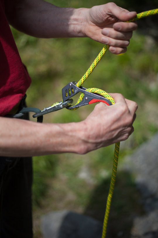 Assisted Breaking Belay Device Review - Mammut Smart 2, 73 kb