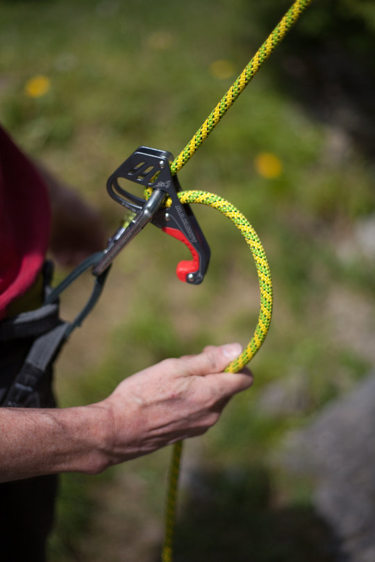 Assisted Breaking Belay Device Review - Mammut Smart 3, 69 kb