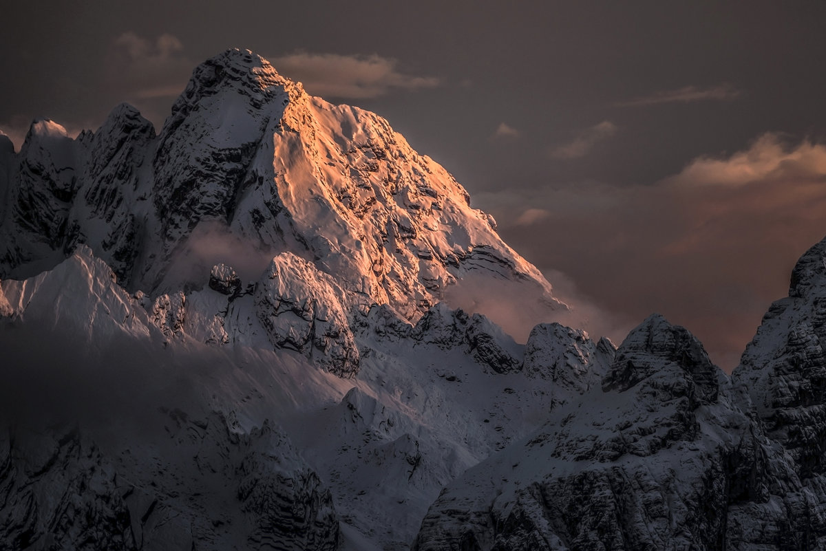 Last light on the west face of Monte Antelao, 189 kb