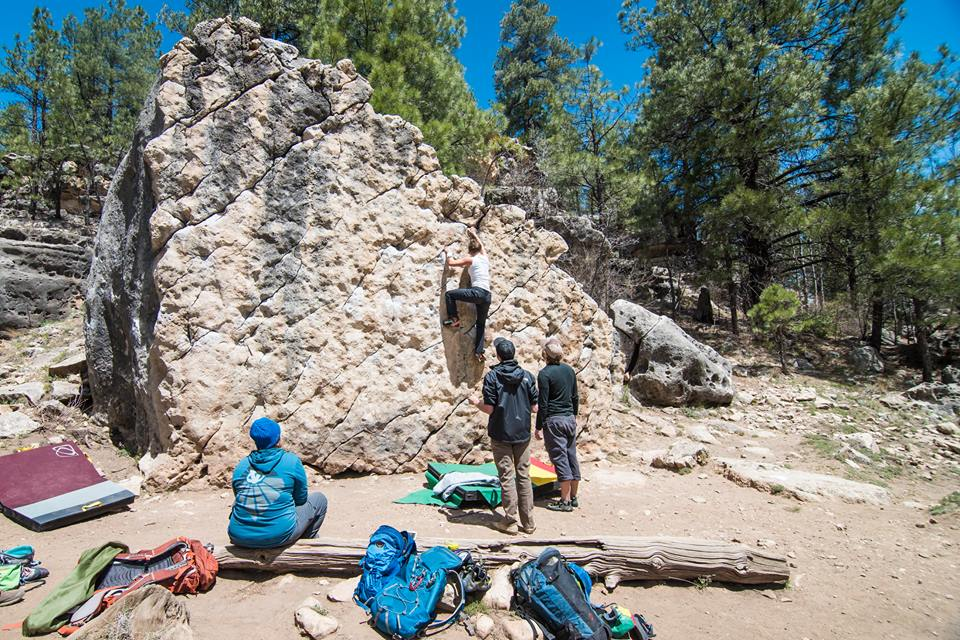 Bouldering outdoors adds an extra benefit: nature., 176 kb