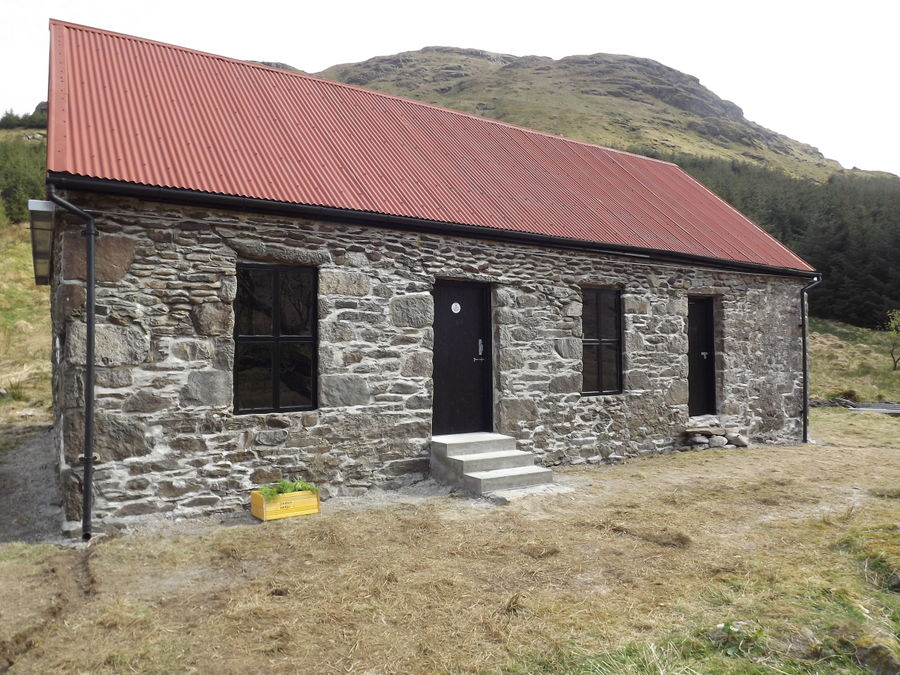 Great looking bothy in Glen Kinglas, but what's the Haile unlikely Ethiopian connection?, 153 kb