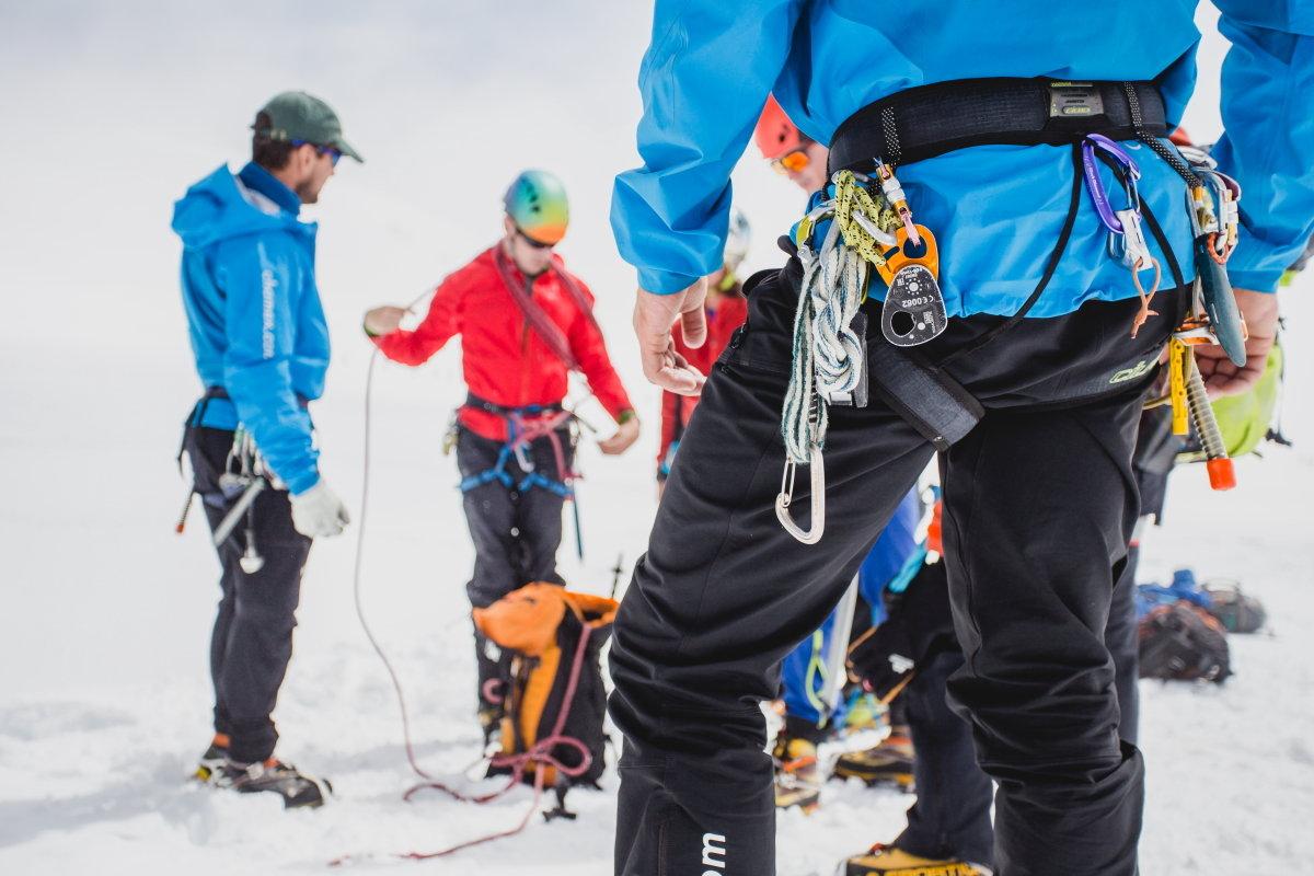 Glacier skills in the Vallee Blanche, 163 kb