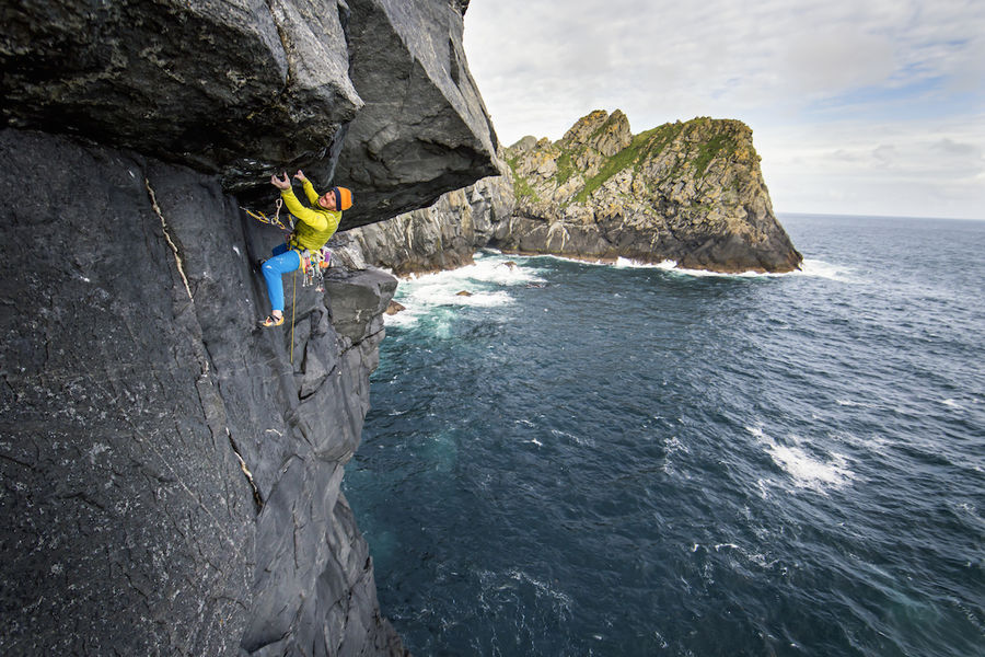 Dave MacLeod on the first ascent of Making a Splash E7, 156 kb
