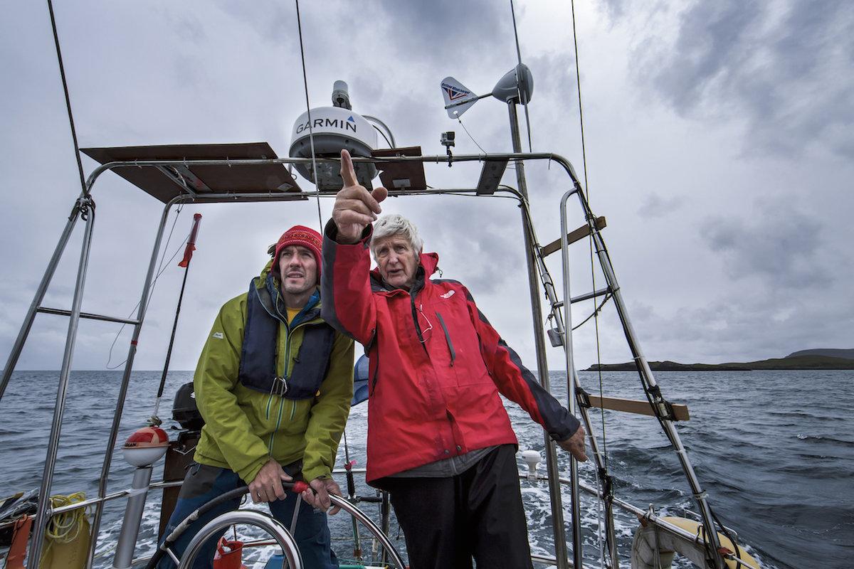 Bob teaches Dave MacLeod to sail on the Dodo's Delight, 253 kb