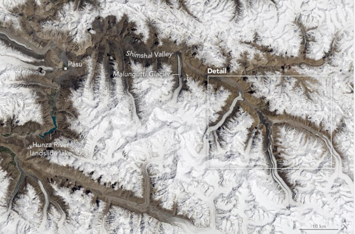 Karakoram mountains: Northern Pakistan, 229 kb