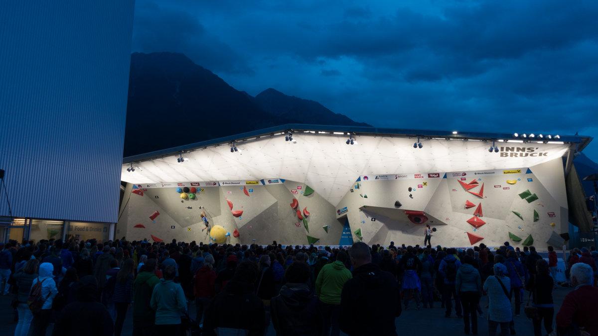 A mountain atmosphere at the Innsbruck Kletterzentrum during the Junior Combined Boulder Finals, 133 kb