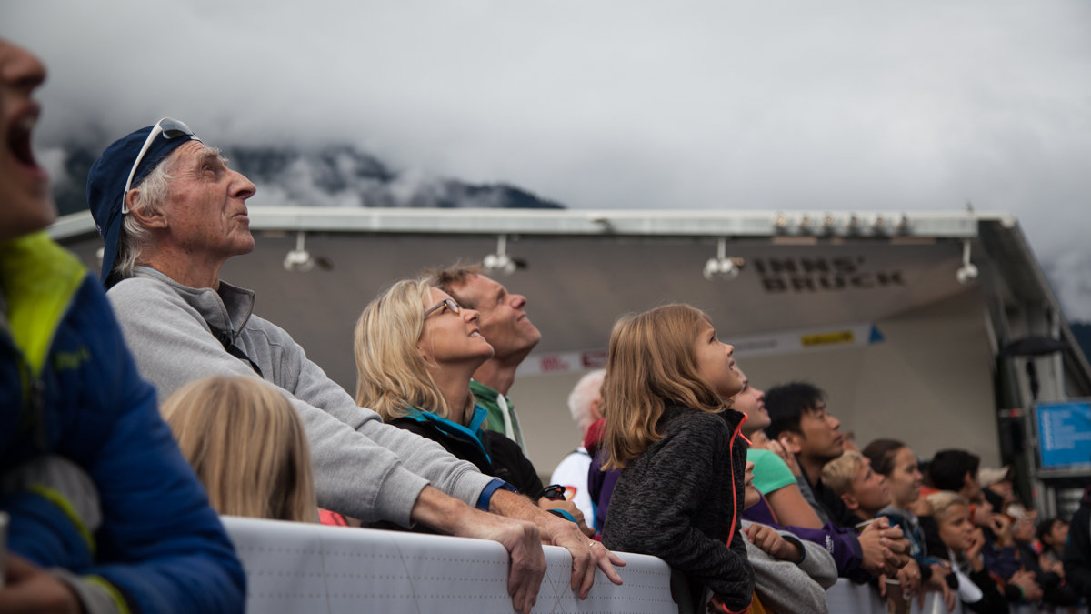 Crowds watching the Youth A Combined Lead Finals, 122 kb
