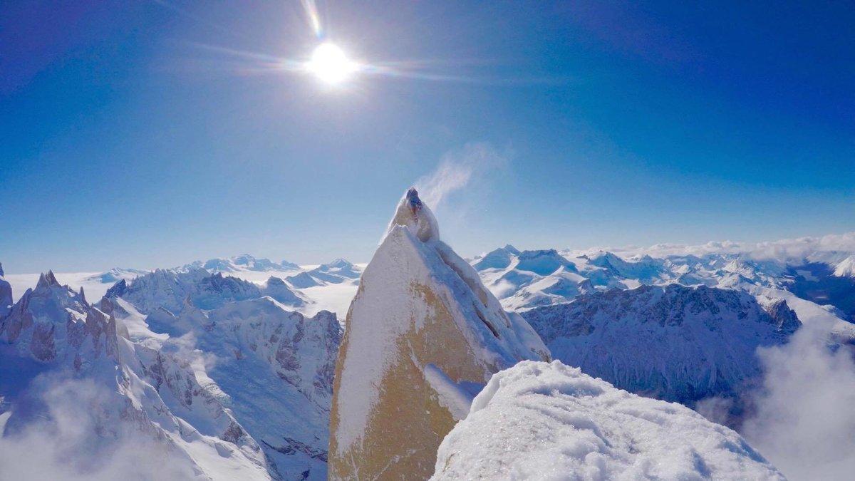 Markus climbs onto the summit, 107 kb