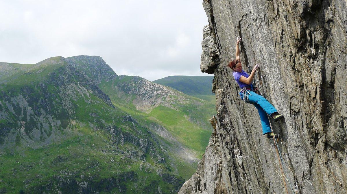 Emma Twyford attempting Ogwen Crack, 248 kb