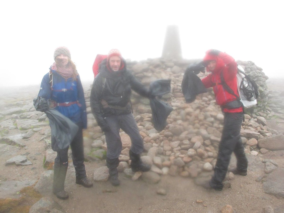 Wild conditions for a litter pick on Ben Macdui, 118 kb