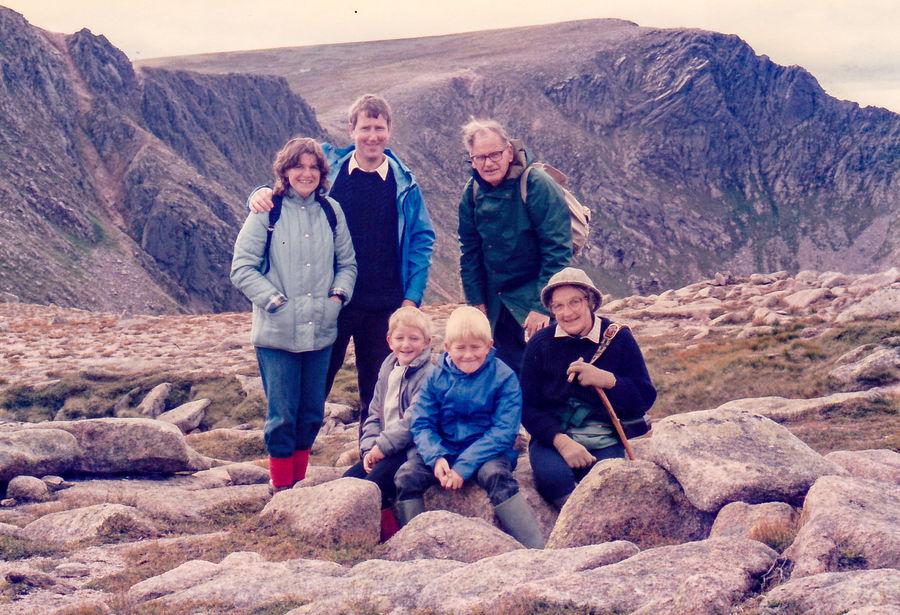 L to R Rosamund Macfarlane, John Macfarlane, Jim Macfarlane, me, Edward Peck (grandfather); Alison Peck (grandmother), 179 kb