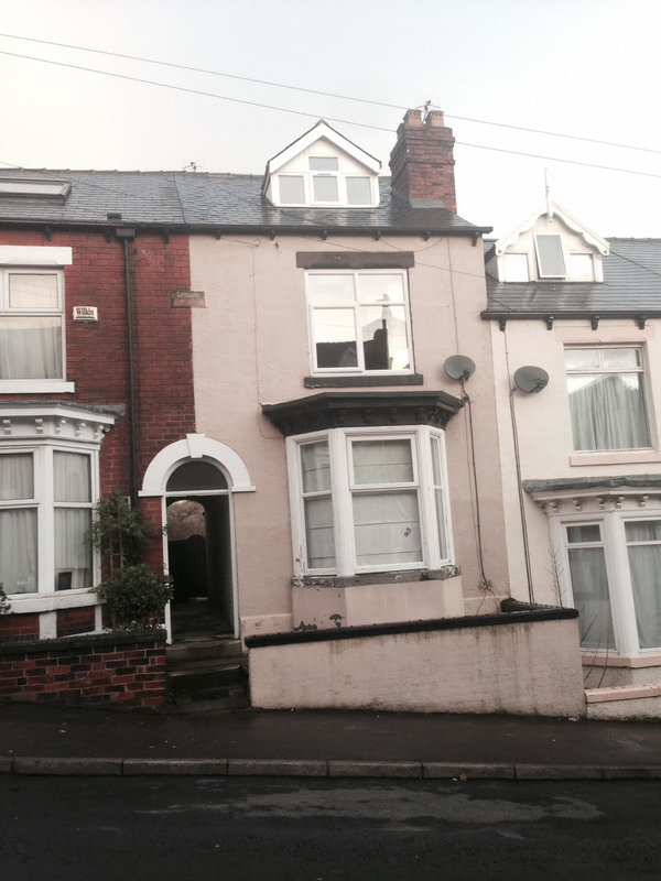 The infamous Hunter House Rd terrace where Pete and Andy lived together, 81 kb