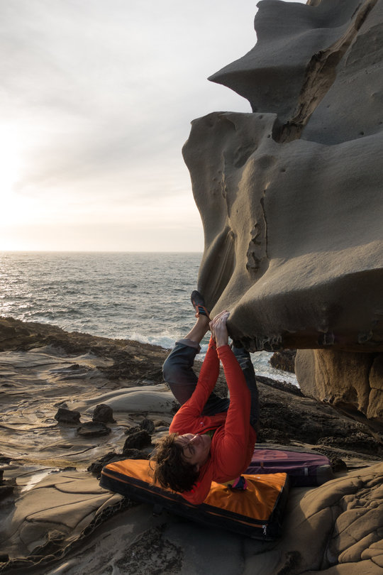 The immaculate Tufatufoni Traverse at Salt Point, CA, 102 kb